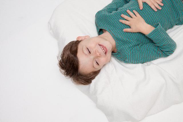 夜はいい子に早く寝てましたよ。